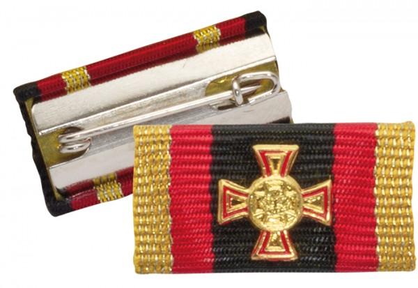 Bandschnalle Ehrenkreuz hervorragende Einzeltat Gold