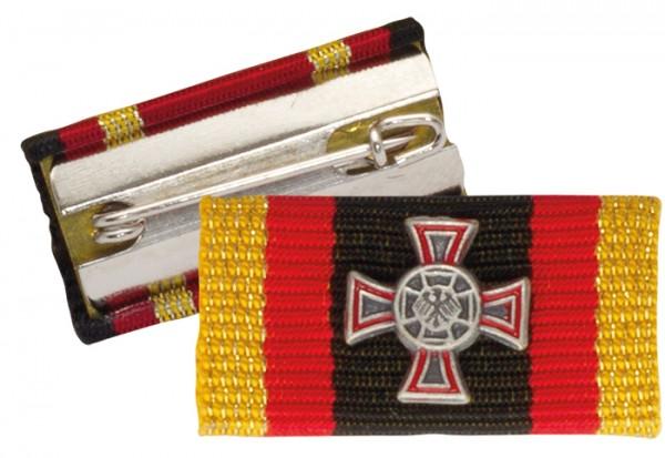 Bandschnalle Ehrenkreuz hervorragende Einzeltat Silber