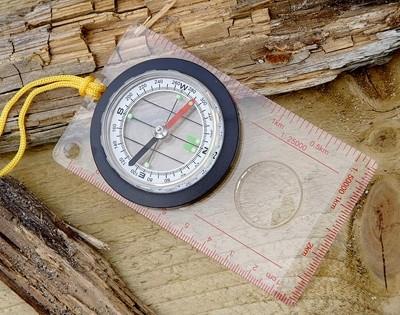 Kartenkompass Flüssigkeitsgedämpft