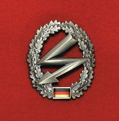 BW Barett Abzeichen Fernmeldetruppe Metall