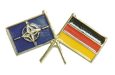 BW Mützenanstecker Metall Flagge BRD+Nato